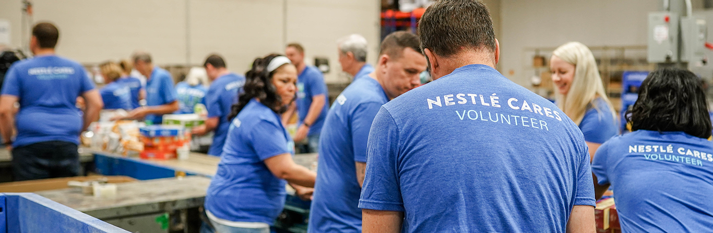 Nestle Volunteers at Food Bank